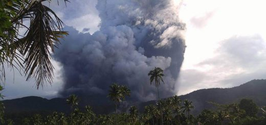 Bulusan Volcano Eruption
